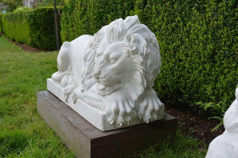 Carved Marble Lions In Excellent Condition For Sale In Katonah, NY