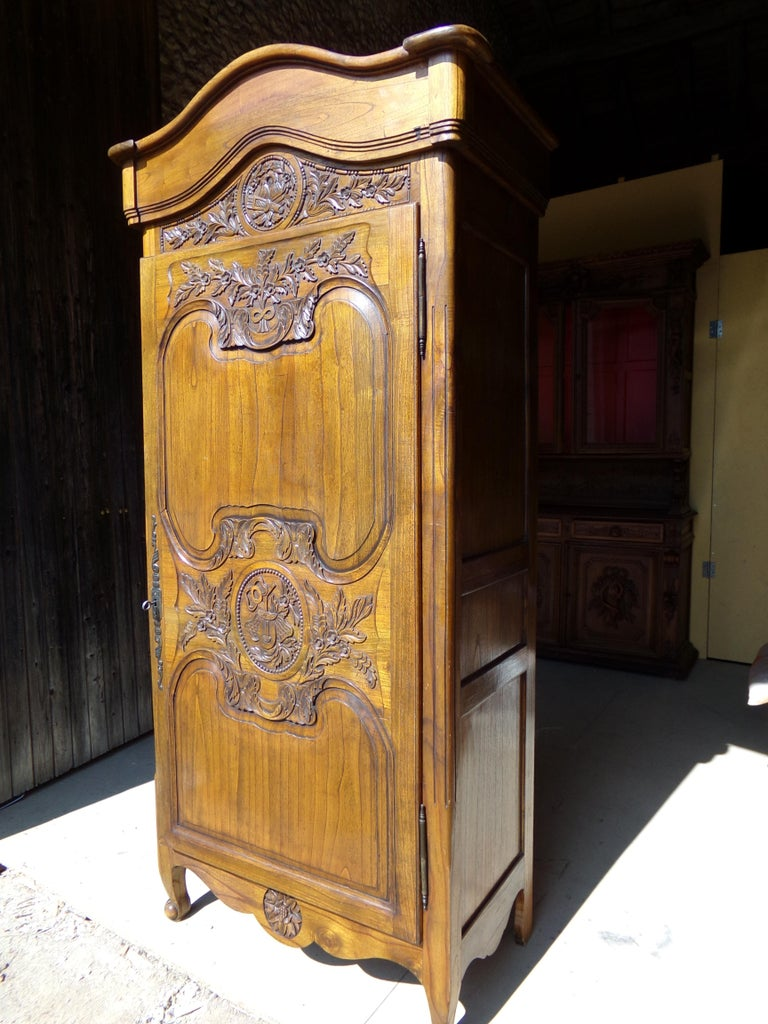 French Carved Marriage Louis XV Provencal Style Bonnetiere/Armoire, circa 1850 For Sale