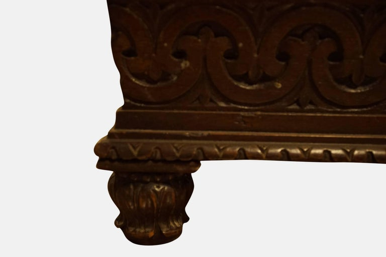 Carved William IV carved Oak and upholstered Ottoman attributed to Thomas King c1830 For Sale