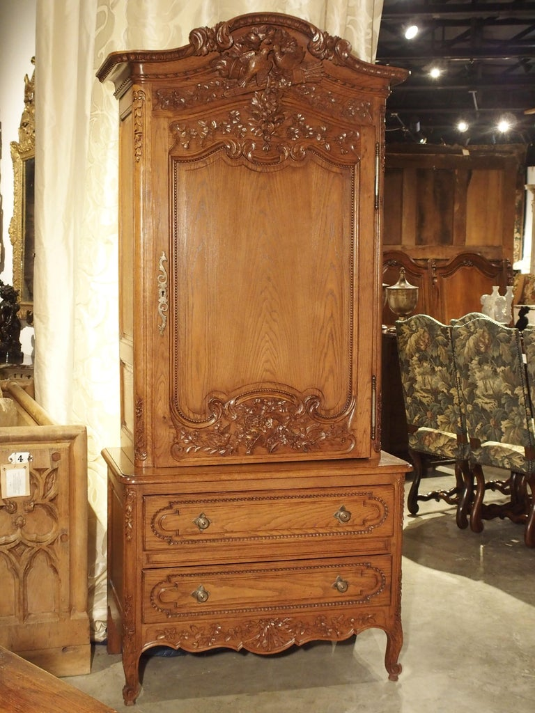 Carved Oak Wedding Cabinet and Chest of Drawers from Normandy, Early 1900s For Sale 4