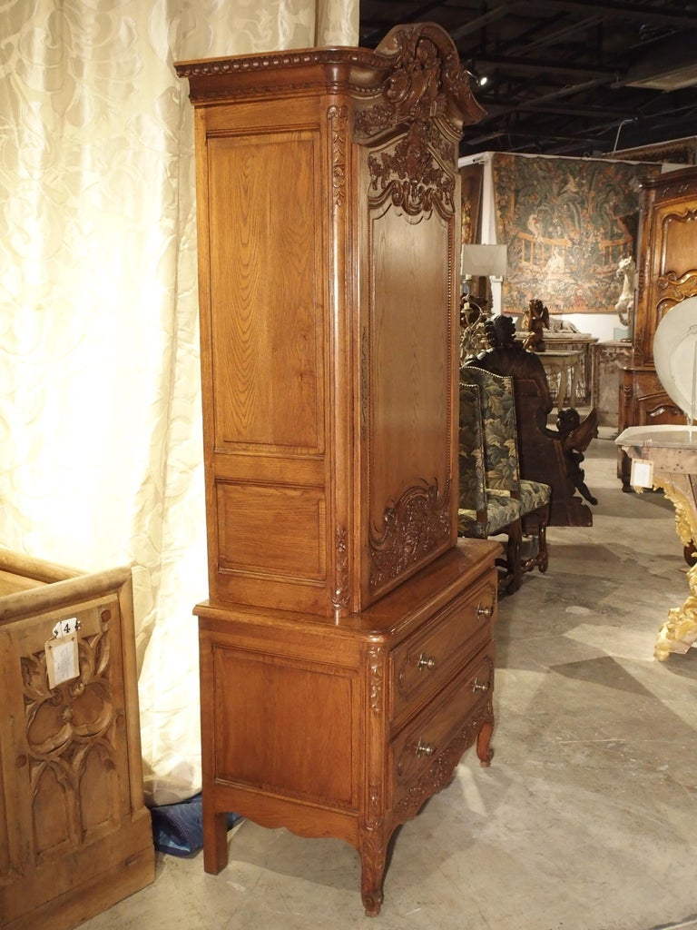 Carved Oak Wedding Cabinet and Chest of Drawers from Normandy, Early 1900s For Sale 9