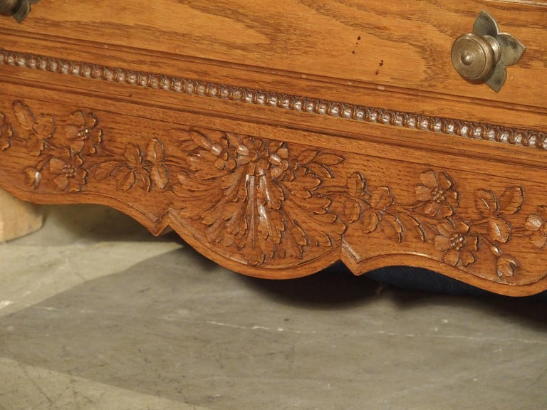 Carved Oak Wedding Cabinet and Chest of Drawers from Normandy, Early 1900s In Good Condition For Sale In Dallas, TX