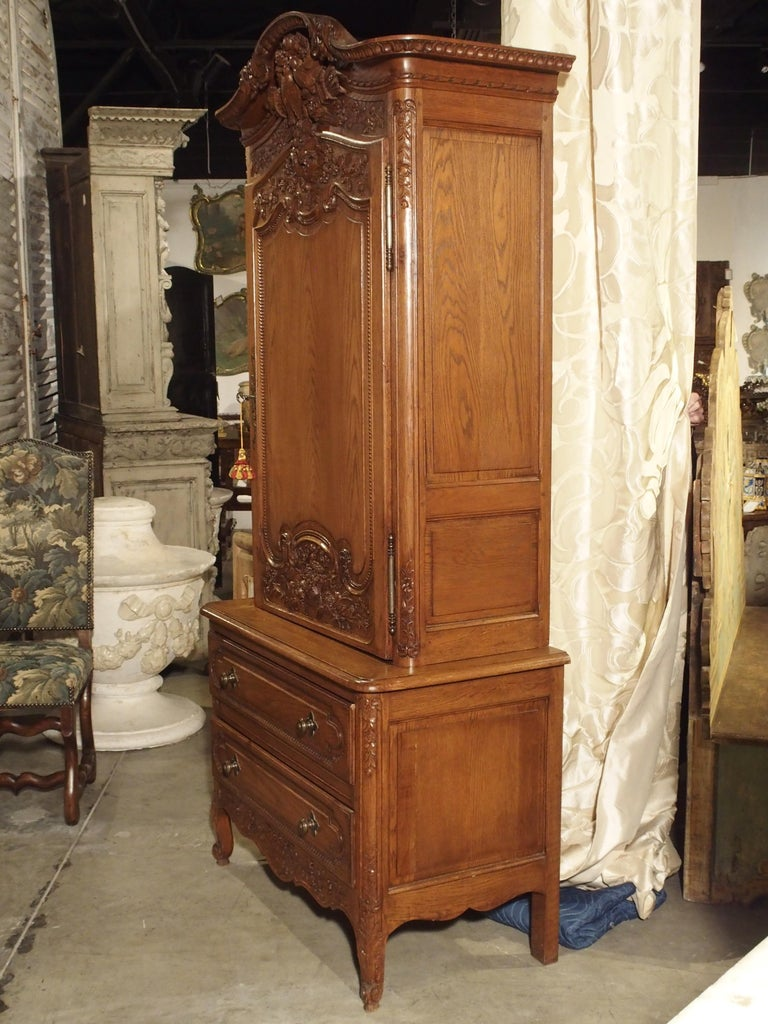 Carved Oak Wedding Cabinet and Chest of Drawers from Normandy, Early 1900s For Sale 1