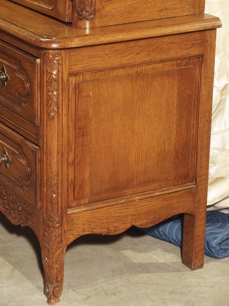 Carved Oak Wedding Cabinet and Chest of Drawers from Normandy, Early 1900s For Sale 2