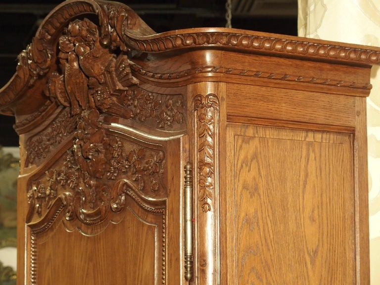 Carved Oak Wedding Cabinet and Chest of Drawers from Normandy, Early 1900s For Sale 3