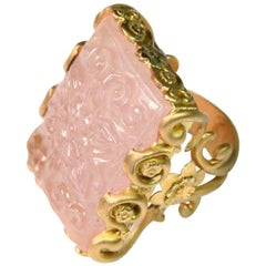 Carved Rose Quartz Stone 18 Karat Gold Cocktail Ring