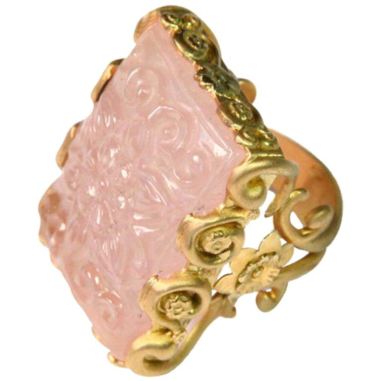 Carved Rose Quartz Stone 18 Karat Gold Cocktail Ring For Sale