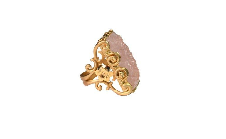 Women's Carved Rose Quartz Stone 18 Karat Gold Cocktail Ring For Sale
