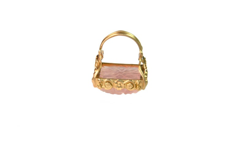 Carved Rose Quartz Stone 18 Karat Gold Cocktail Ring For Sale 3