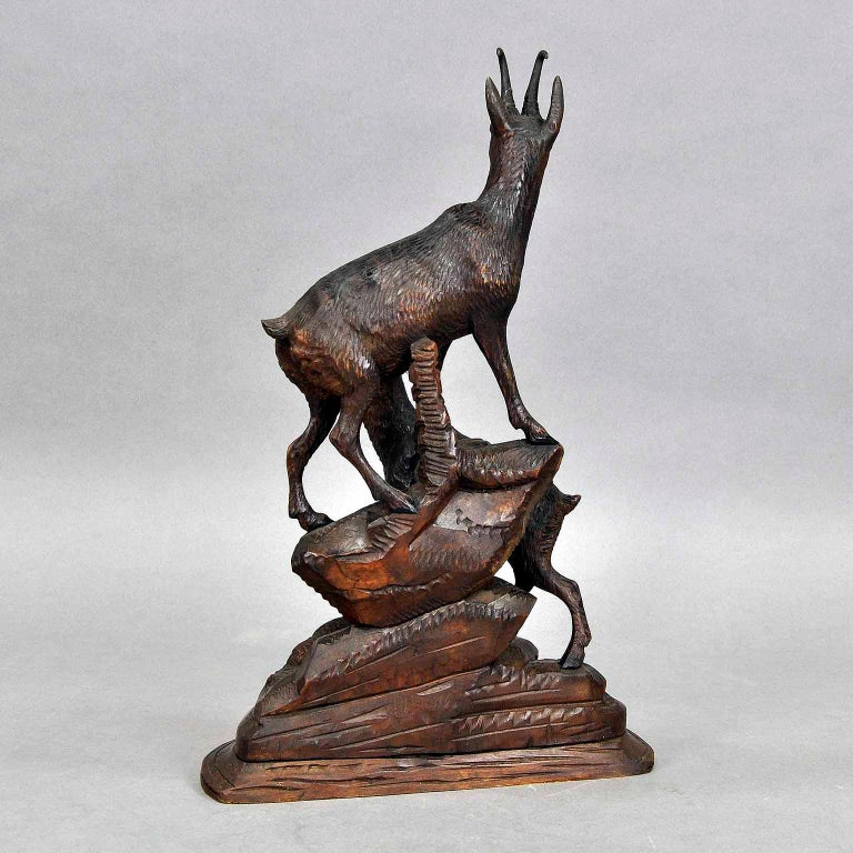 Carved Wood Chamois Group, Austria, circa 1920 For Sale 1