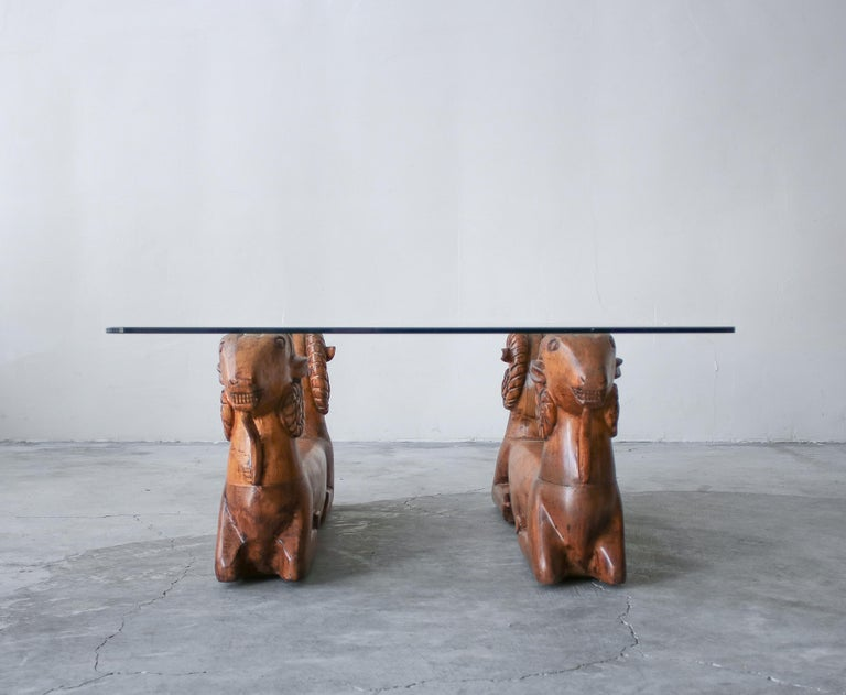 Carved Wood Double Rams Head Coffee Table In Good Condition For Sale In Las Vegas, NV