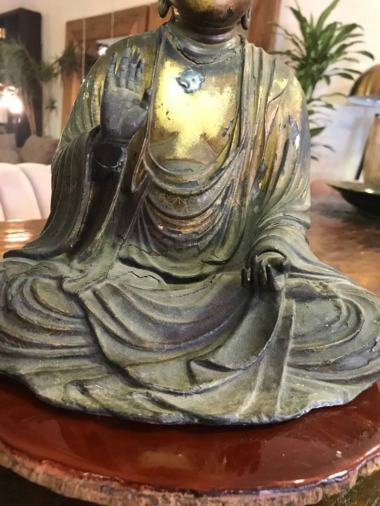 Carved Wood & Gilt-Lacquered Sculpture of Seated Japanese Buddha 'Amida Nyorai' For Sale 1