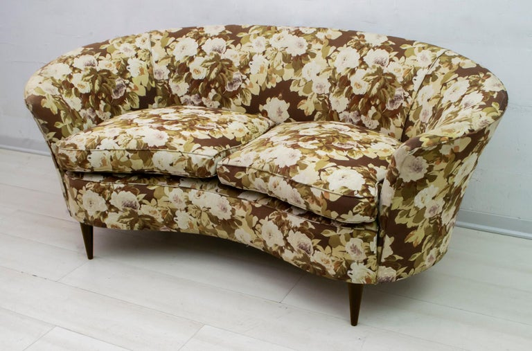Fabric Casa e Giardino Mid-Century Modern Italian Small Sofa, 1950s For Sale