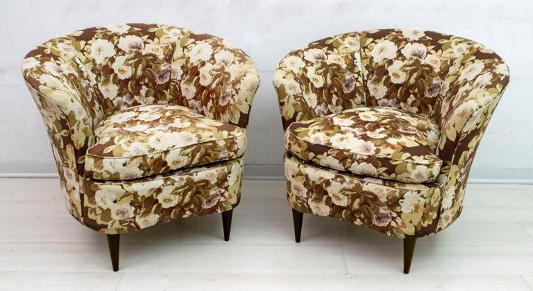 Casa e Giardino Mid-Century Modern Italian Small Sofa Two Small Armchairs For Sale 5