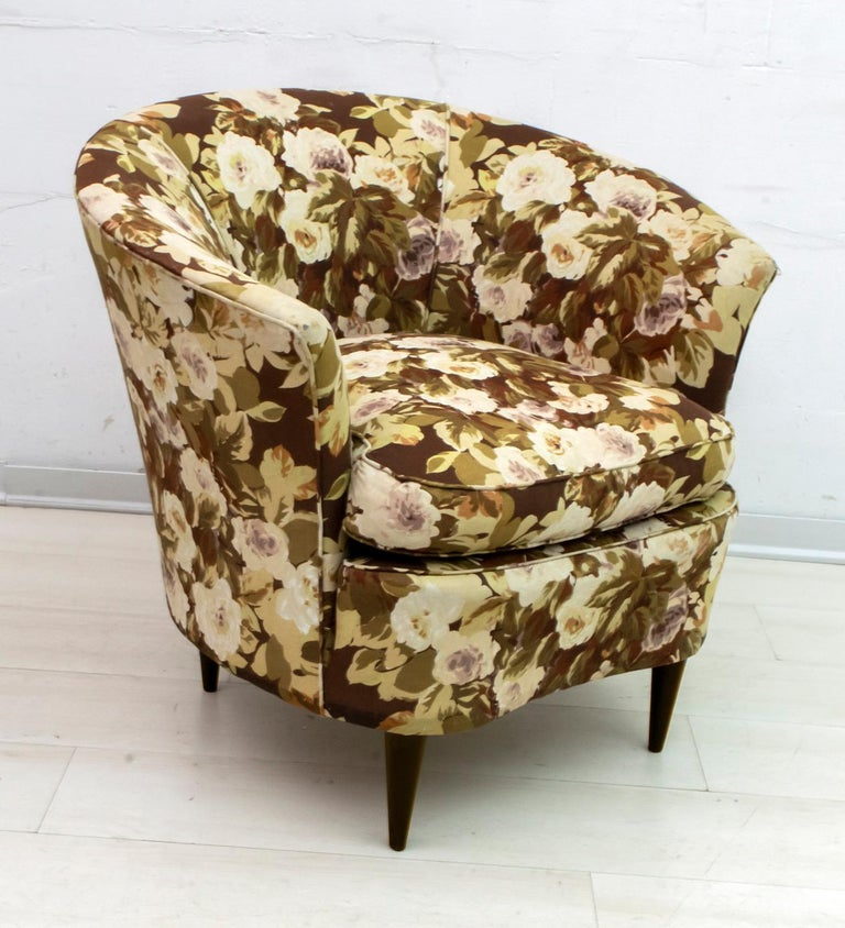 Casa e Giardino Mid-Century Modern Italian Small Sofa Two Small Armchairs For Sale 7