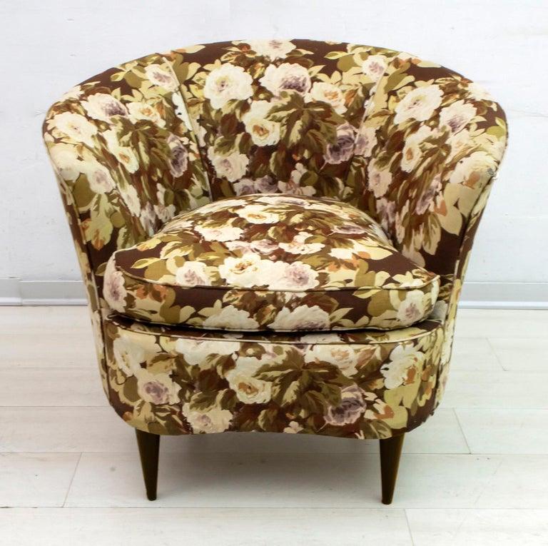 Casa e Giardino Mid-Century Modern Italian Small Sofa Two Small Armchairs For Sale 8