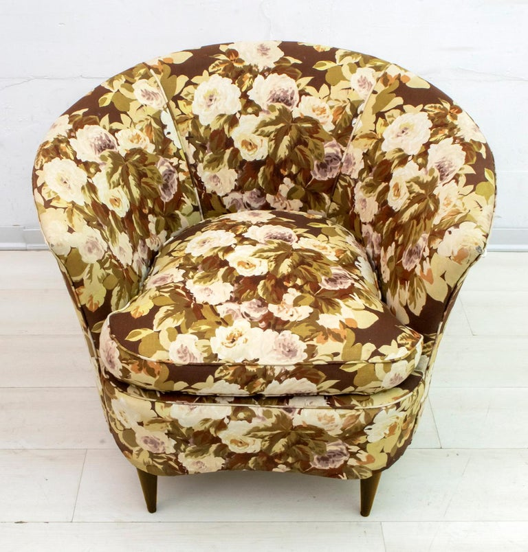 Casa e Giardino Mid-Century Modern Italian Small Sofa Two Small Armchairs For Sale 9