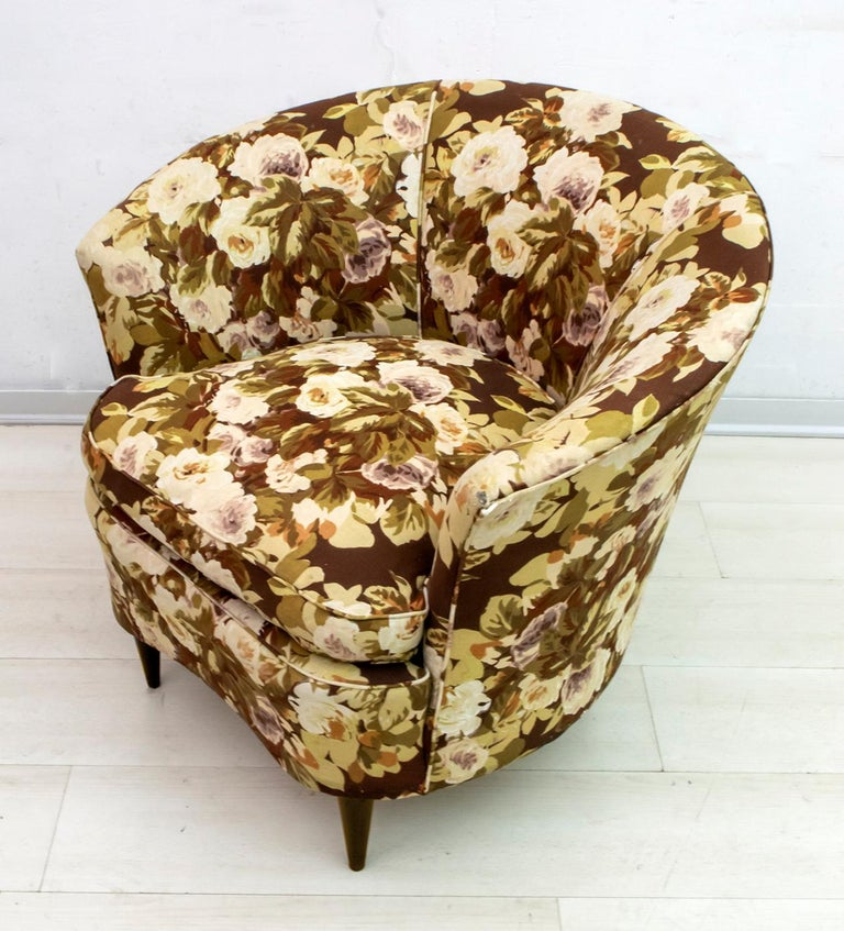 Casa e Giardino Mid-Century Modern Italian Small Sofa Two Small Armchairs For Sale 10
