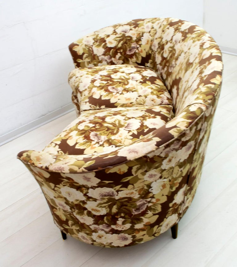 Casa e Giardino Mid-Century Modern Italian Small Sofa Two Small Armchairs For Sale 3
