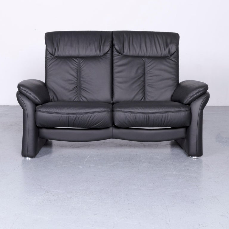 We bring to you a Casada designer leather sofa armchair set black two-seat couch recliner.