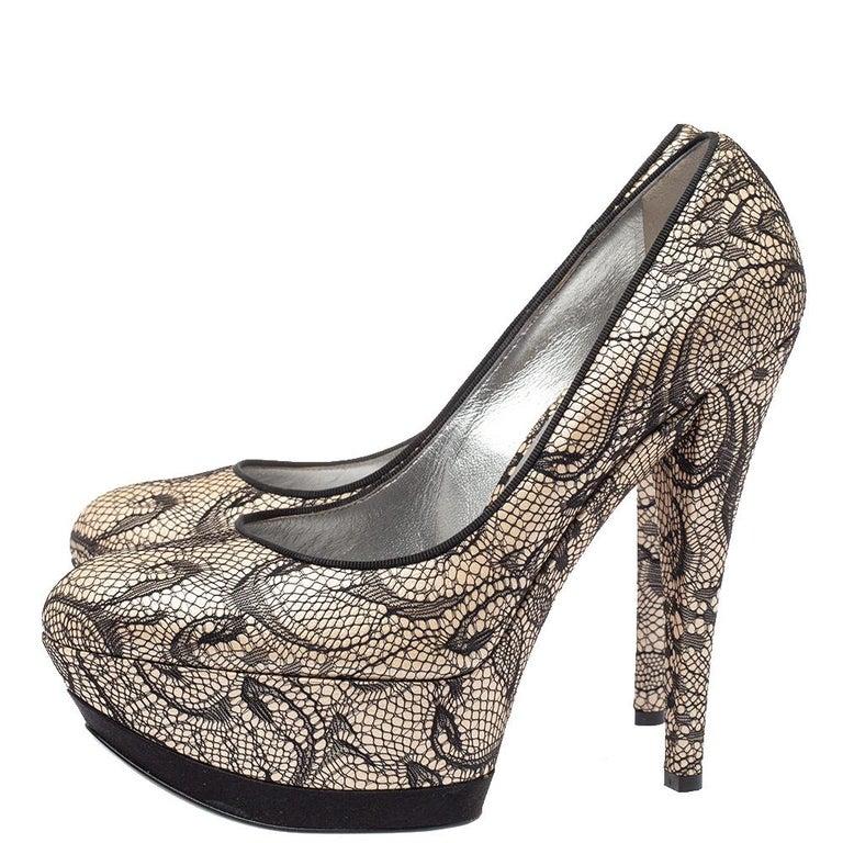 Women's Casadei Beige/Black Lace And Satin Round Toe Platform Pumps Size 38 For Sale