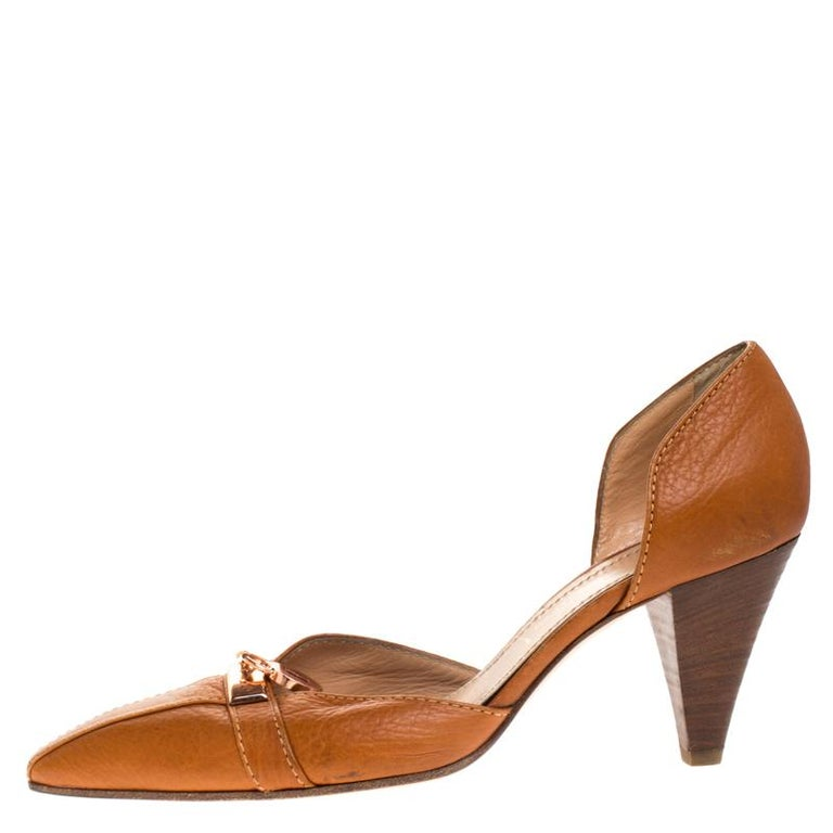 Casadei is the brand you can trust for a stylish pair of pumps. These pumps have been meticulously crafted in Italy and made from quality leather. They come in a lovely shade of brown and are styled to deliver sophistication. They come with a half