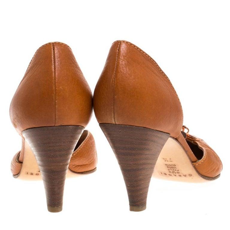 Women's Casadei Brown Leather Padlock Detail Half D'orsay Pumps Size 37.5 For Sale