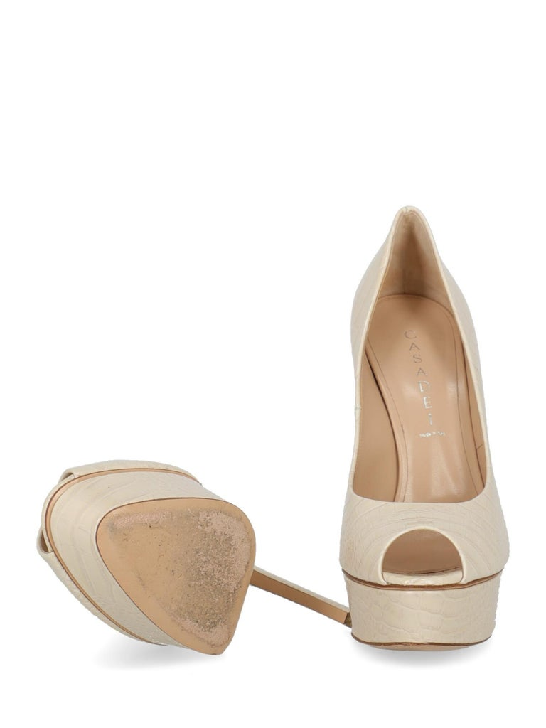 Casadei Woman Pumps Ecru Leather IT 39 In Good Condition For Sale In Milan, IT