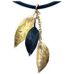 Cascading Leaves Pendant in Yellow and Oxidized Gold