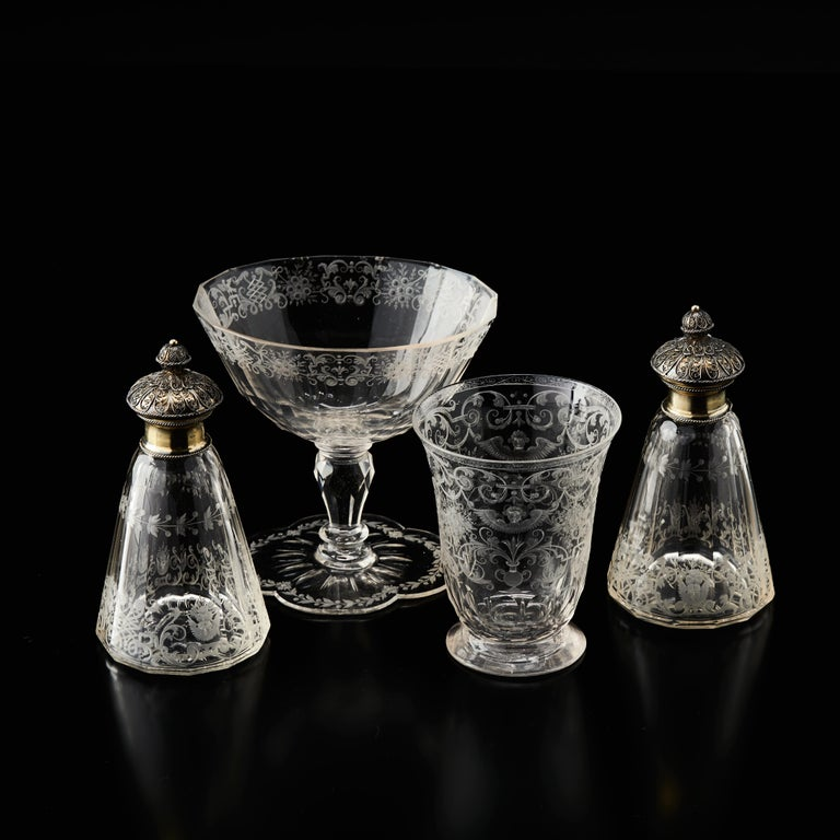 German Cased Travelling Set of Engraved Glass Silesia, circa 1720 For Sale