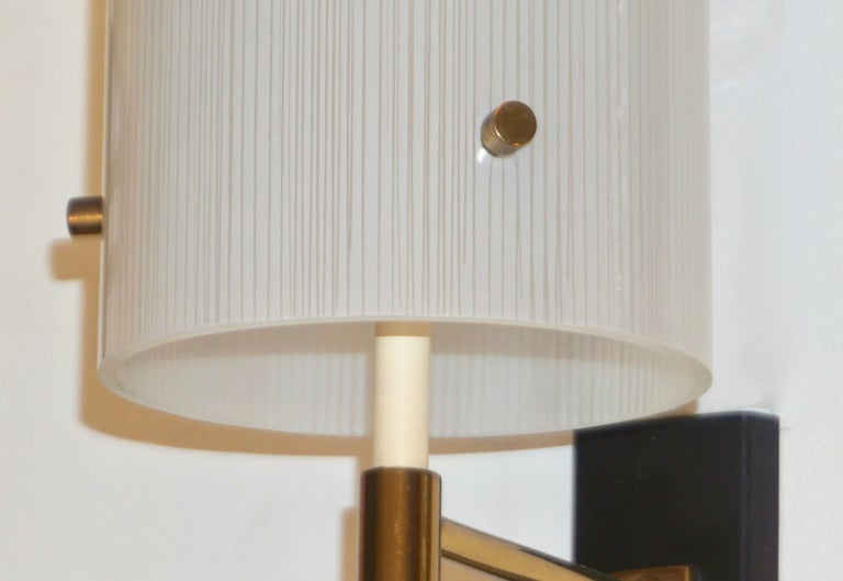 Mid-Century Modern Casey Fantin 1950s Italian Modernist White Striped Frosted Glass Wall Light For Sale