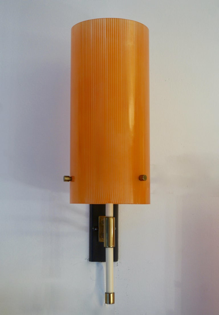 Frosted Casey Fantin 1950s Italian Pair of Modernist Orange Striped Glass Wall Lights For Sale