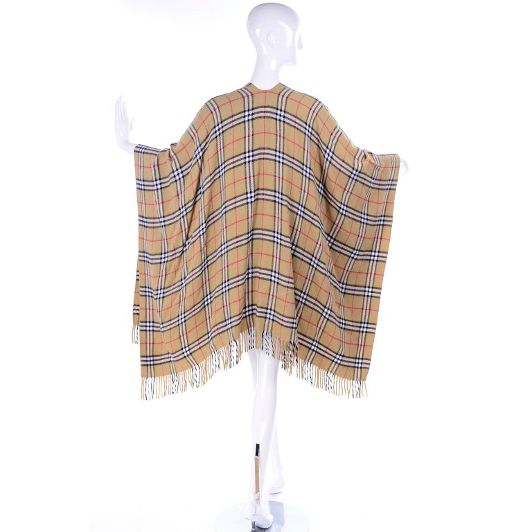 Women's Cashmere Wool Blend Burberrys Vintage Nova Check Cape With Fringe For Sale