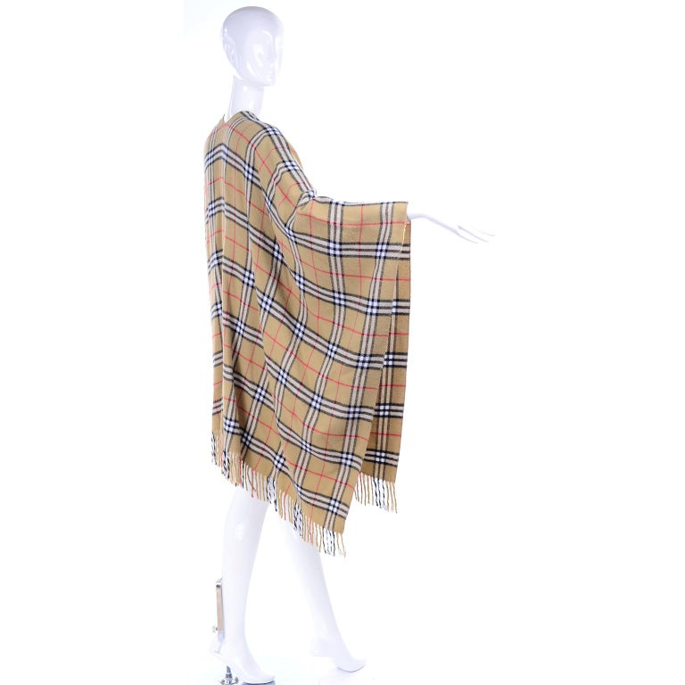 Cashmere Wool Blend Burberrys Vintage Nova Check Cape With Fringe For Sale 2
