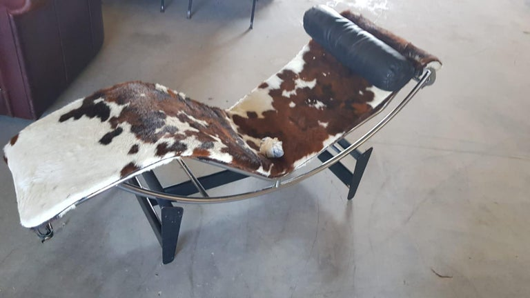 Steel Cassina LC4 Chaise Lounge Numbered Early Edition For Sale