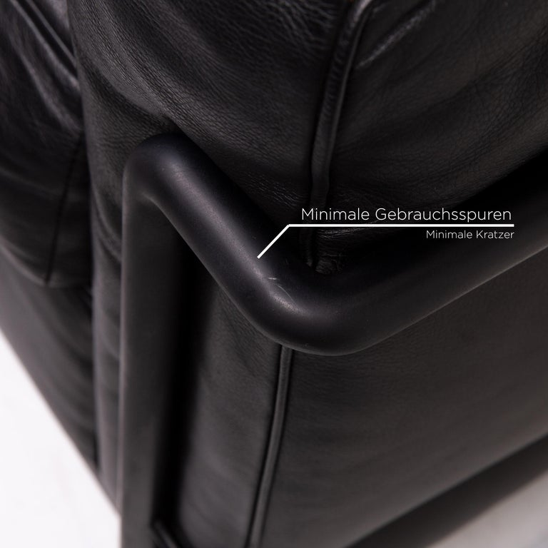 Cassina Le Corbusier LC 2 Leather Armchair Black In Good Condition In Cologne, DE