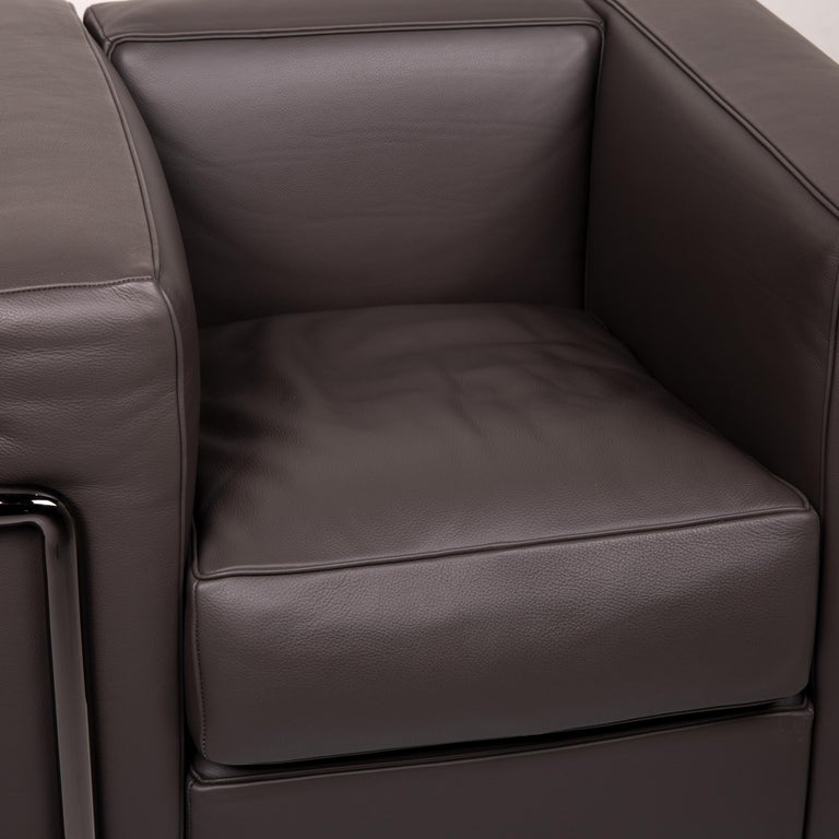 Modern Cassina Le Corbusier LC 2 Leather Armchair Gray Brown Brown For Sale