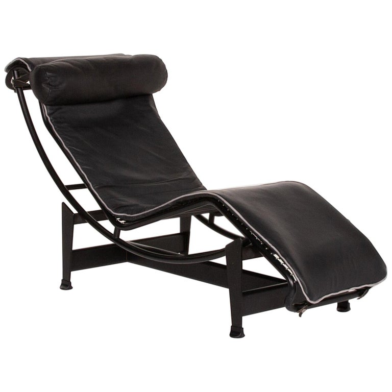 Cassina Le Corbusier LC 4 Leather Lounger Black Relaxation Function Relaxation For Sale