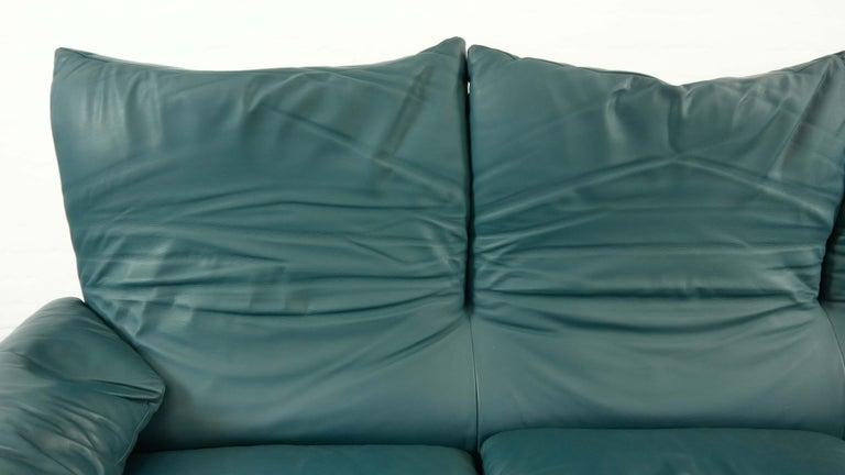 Cassina Maralunga 3-Seat Sofa by Vico Magistretti in Petrol-Darkgreen Leather For Sale 9