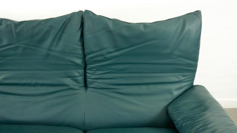 Cassina Maralunga 3-Seat Sofa by Vico Magistretti in Petrol-Darkgreen Leather For Sale 10