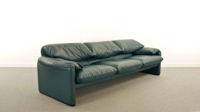 International Style Cassina Maralunga 3-Seat Sofa by Vico Magistretti in Petrol-Darkgreen Leather For Sale