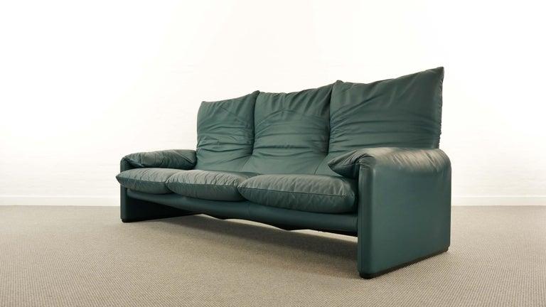 Late 20th Century Cassina Maralunga 3-Seat Sofa by Vico Magistretti in Petrol-Darkgreen Leather For Sale