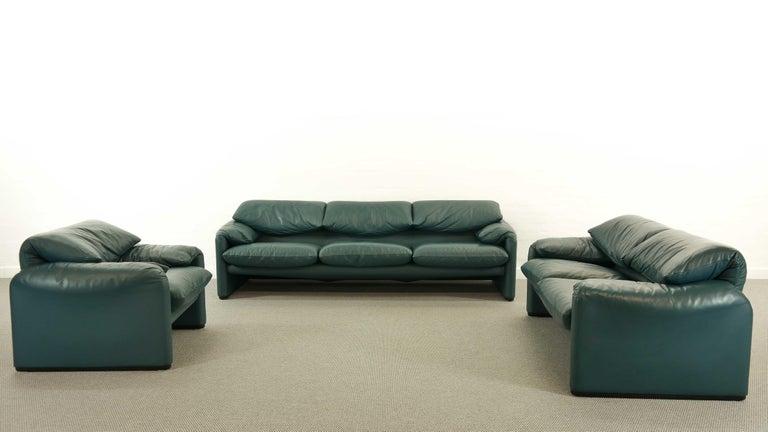 Cassina Maralunga 3-Seat Sofa by Vico Magistretti in Petrol-Darkgreen Leather For Sale 1