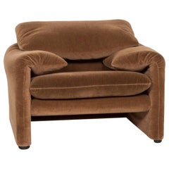 Cassina Maralunga Fabric Armchair Brown Function