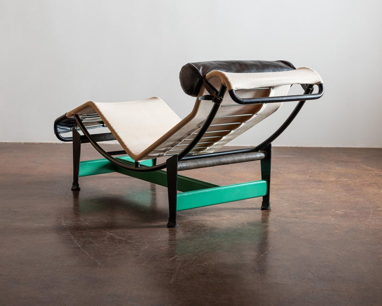 European Cassina Re-edition Le Corbusier LC4 Chaise with Green Base