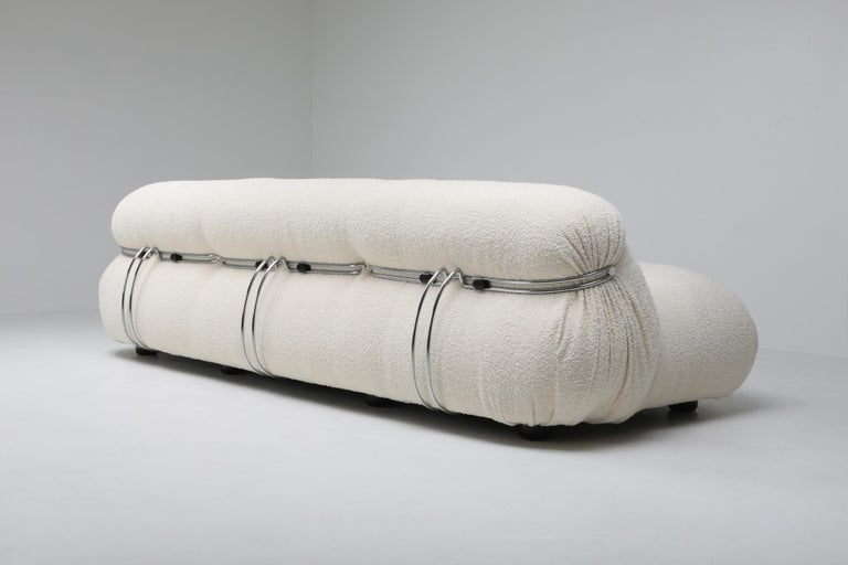 Cassina 'Soriana' Bouclé Sofa by Afra and Tobia Scarpa In Excellent Condition For Sale In Antwerp, BE