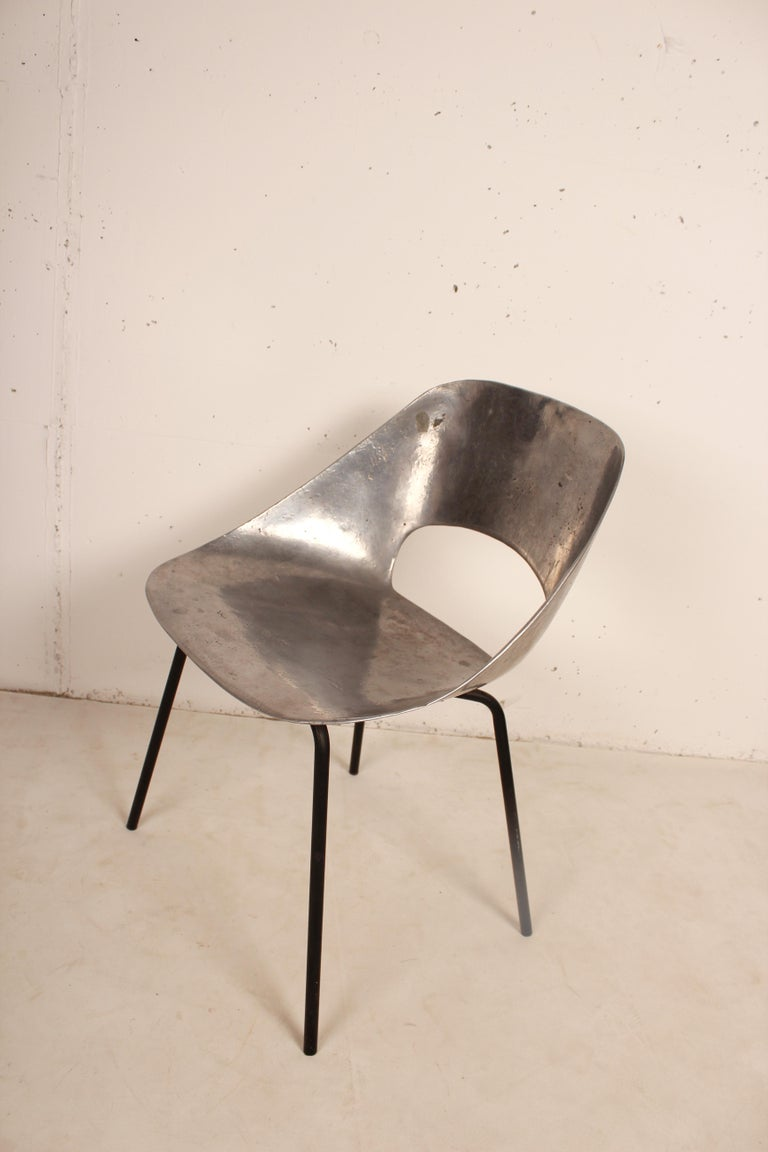 Mid-Century Modern Cast Aluminium Tulip Chair by Pierre Guariche for Steiner, France, 1954 For Sale