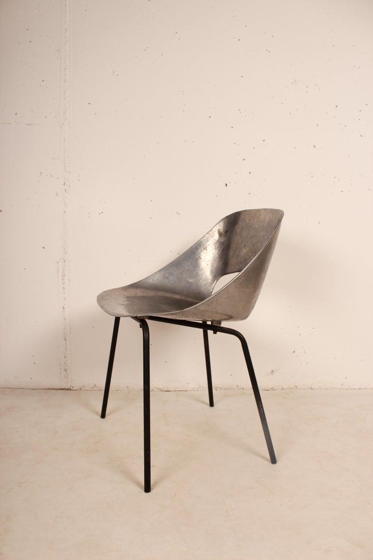 Aluminum Cast Aluminium Tulip Chair by Pierre Guariche for Steiner, France, 1954 For Sale