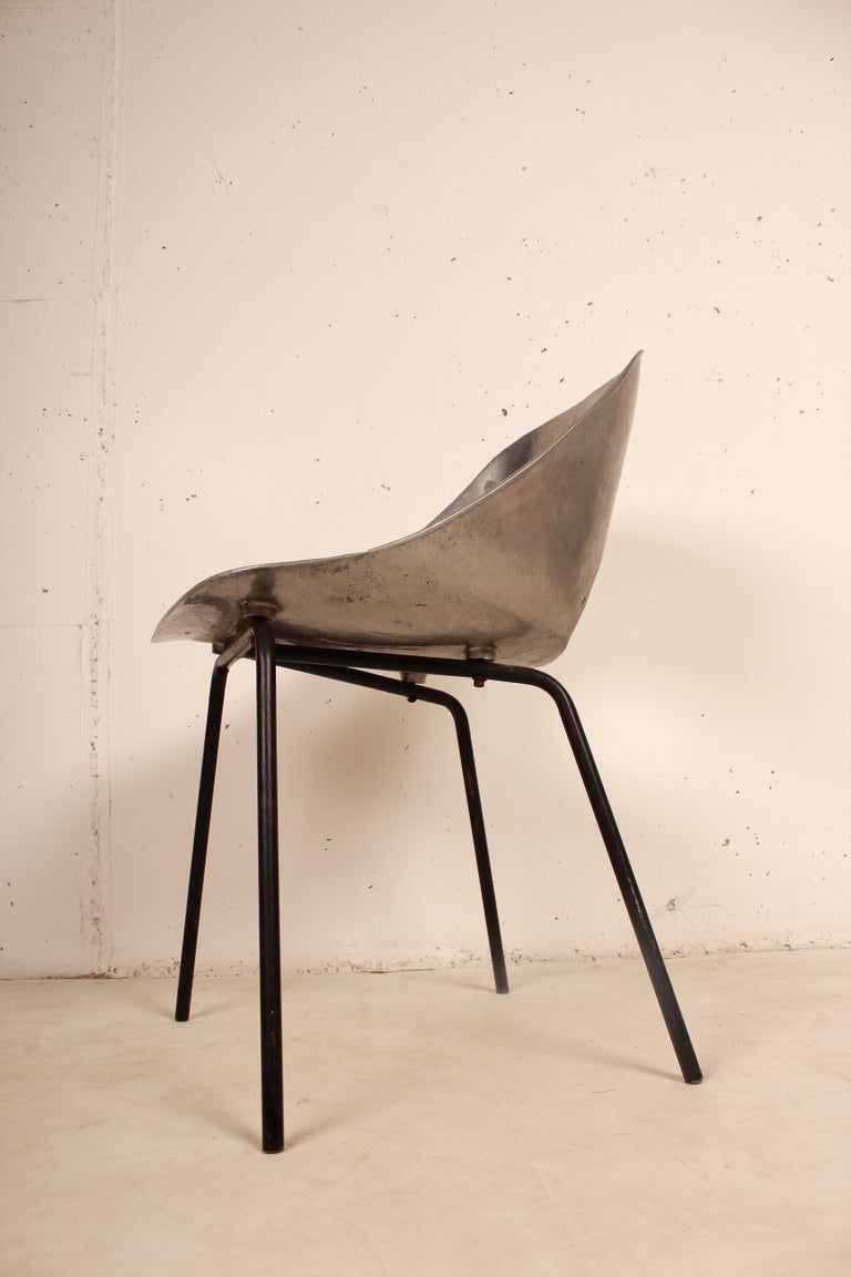 Cast Aluminium Tulip Chair by Pierre Guariche for Steiner, France, 1954 For Sale 1