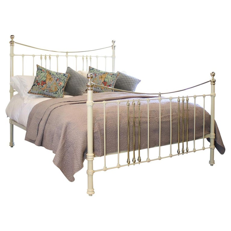 Cast Iron and Brass Bed in Cream, MSK59 For Sale